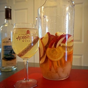 Simple Winter Sangria (white)