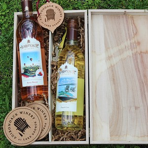 Adirondack Winery 2 Bottle Wooden Gift box open
