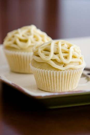 White Diamond Basil & Olive Oil Cupcakes